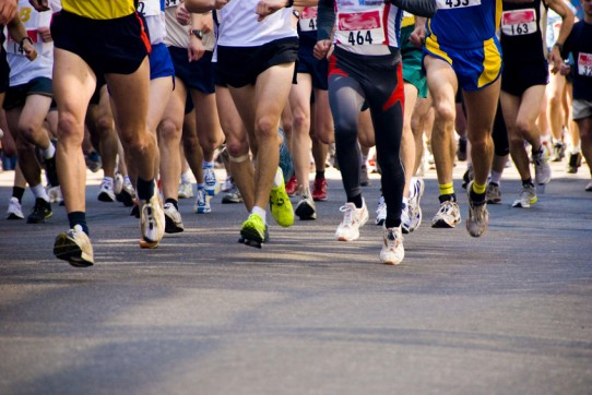 Marathon runners (@fotofolia)