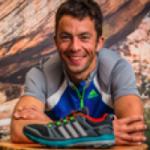 Sylvain COURT avec ses chaussures fétiches