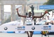 Le marathon de Berlin voit Denis Kimetto battre un nouveau record du monde