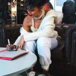 Rihanna signe son contrat PUMA
