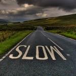 ralentir en course (photo : http://plumesioux.com/2014/02/24/comment-ralentir-dans-un-monde-qui-saccelere/)