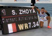 Sasha Zhoya établit le nouveau record du monde juniors du 60 m haies !